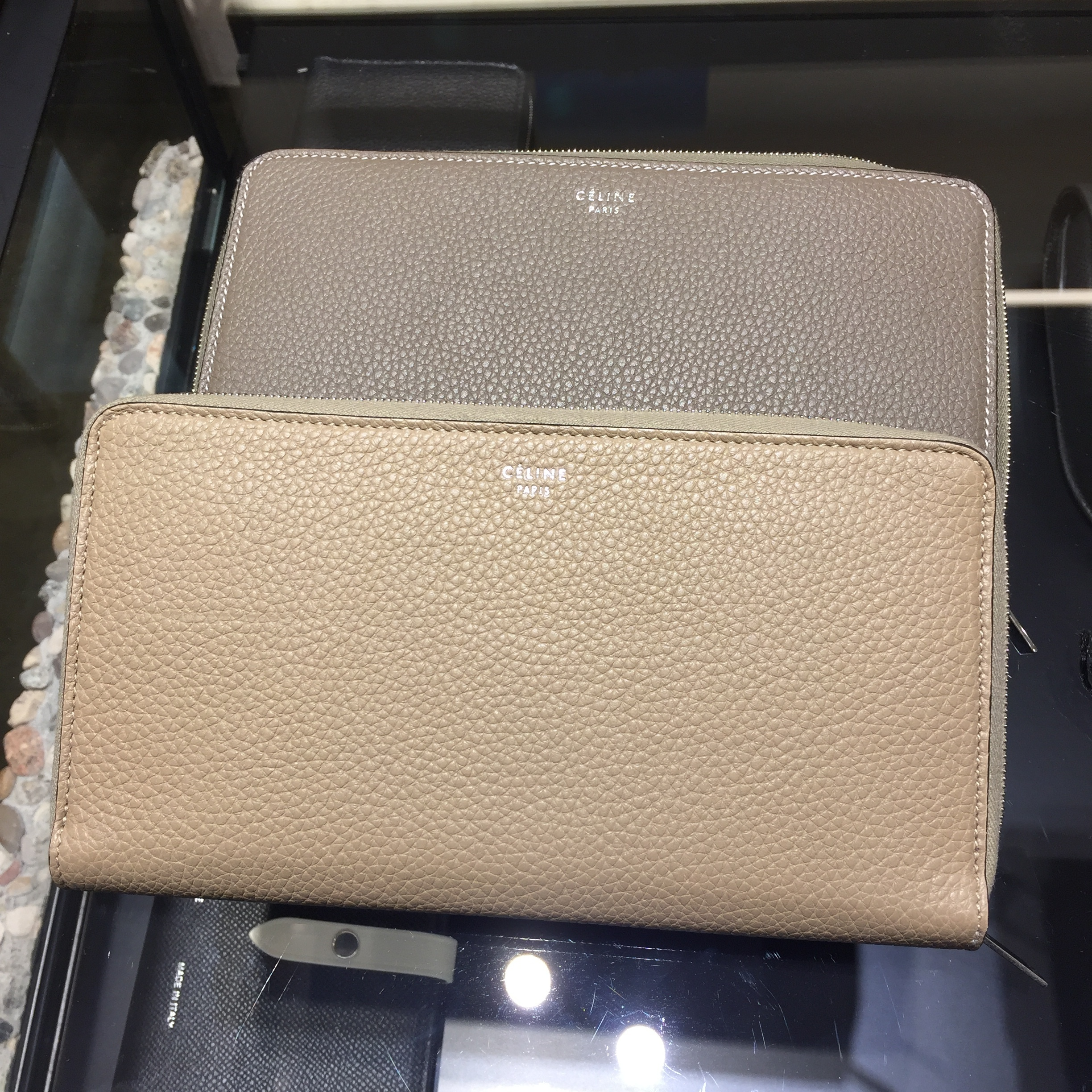 Celine【Zipped Multifunction Wallet】ラウンドジップ 長財布