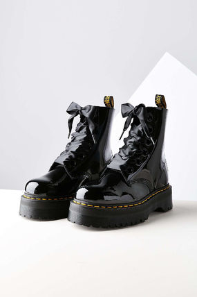 Dr Martens patent leather Ribbon strap 6 hole boots