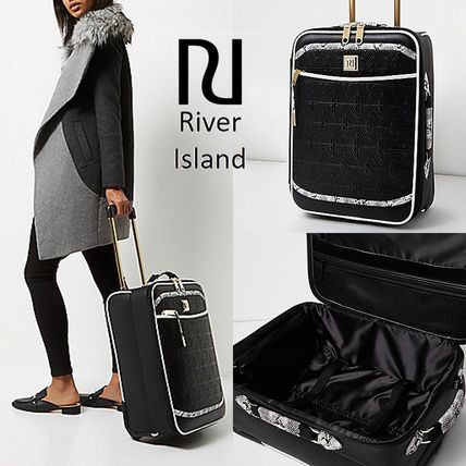 【RiverIsland】 Black quilted snake print suitcase 機内OK!