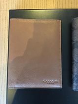Men's Coach コーチ Passport Case