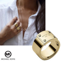 送料&関税込♪ Michael Kors☆ Gold Tone Logo Ring