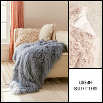 Urban Outfitters(アーバンアウトフィッターズ) ブランケット 日本未入荷★Urban Outfitters☆ファースローケット★全2色