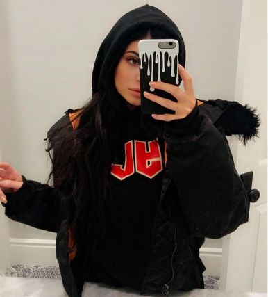 The Kylie Shop スマホケース・テックアクセサリー ●THE OFFICIAL KYLIE JENNER SHOP●限定 カイリー iPhoneケース(8)
