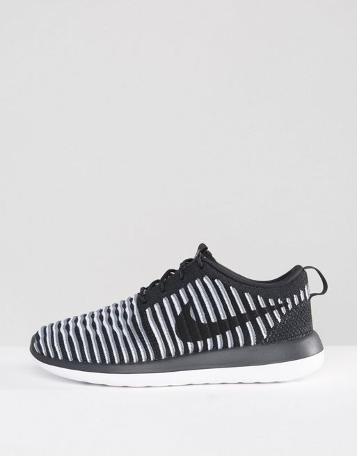 【関税送料込】Roshe Two Flyknit Trainers☆