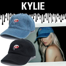 ●OFFICIAL KYLIE JENNER●限定 カイリー LIPS DAD キャップ