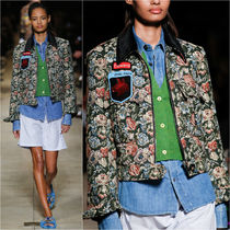 MM017 LOOK21 FLORAL GOBELIN JACKET WITH BADGE