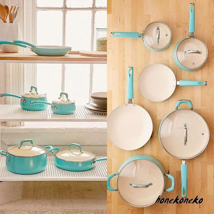 Urban Outfitters 10 piece Cookware set