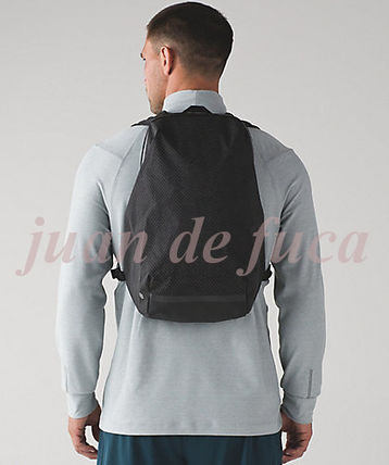 lululemon バックパック・リュック 【LULULEMON】Surge Run Backpack REFLECTIVE☆saint j t black