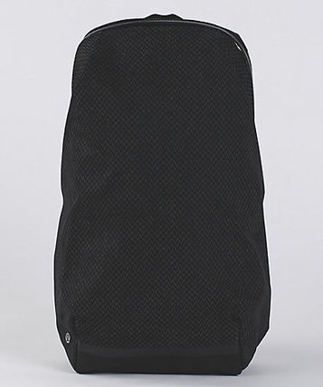 lululemon バックパック・リュック 【LULULEMON】Surge Run Backpack REFLECTIVE☆saint j t black(12)