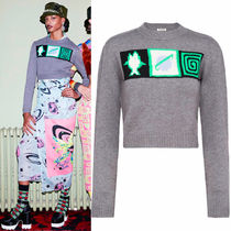 MM088 LOOK5 PLANET INTARSIA CROPPED CASHMERE SWEATER