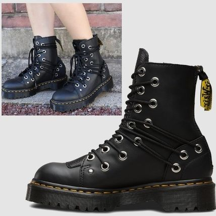 Dr Martens DARIA MULTI EYE BOOT 32 hole early by