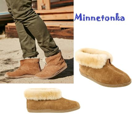 Minnetonka ブーツ セール!Minnetonka Sheepskin Ankle Boot / Tan メンズ
