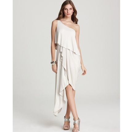 BCBG MAXAZRIA on shoulder dress / dress white