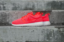 【セール】NIKE ROSHE ONE HYP 'BREATHE' - TOTAL CRIMSON