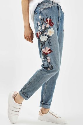 TOPSHOP デニム・ジーパン 《花の刺繍入り♪》☆TOPSHOP☆Floral Embroidered Mom Jeans