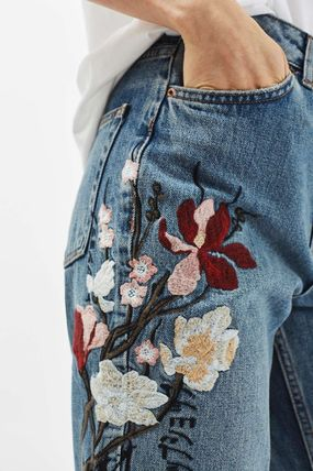 TOPSHOP デニム・ジーパン 《花の刺繍入り♪》☆TOPSHOP☆Floral Embroidered Mom Jeans(5)