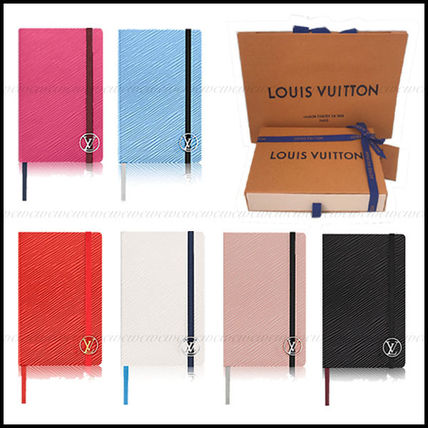 Quantities limited edition gift Louis Vuitton compact notes