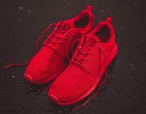 NIKE ROSHE ONE (Varsity Red) US限定