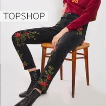 【TOP SHOP】MOTO Rose Embroidered Mom Jeans