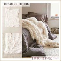 Urban Outfitters(アーバンアウトフィッターズ) ブランケット 関/送込☆Urban Outfitters フェイクファーブランケット☆