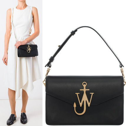 17th SS JWA028 LOGO PURSE WITH CHAIN