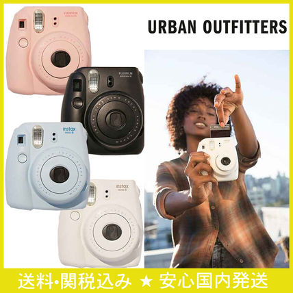 8 UO Fujifilm Mini instant camera