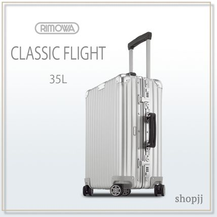 If you're with a unisex RIMOWA classic flight 35L
