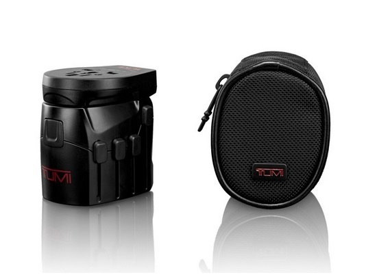 Tumi ★114415 Electronics Electric Grounded Adapter with USB