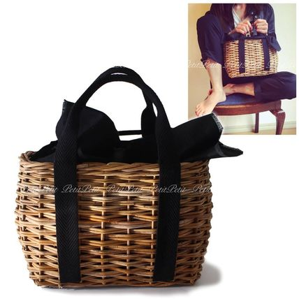 Seasonal style/s size with rattan basket tote