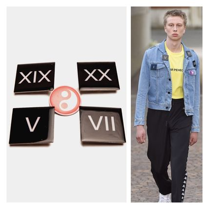 Set recommended great attention GOSHA RUBCHINSKIY / pin