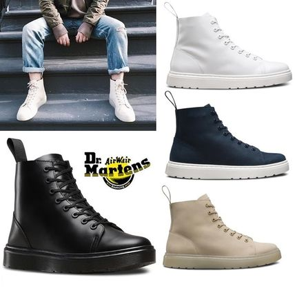 And multicolored Dr. Martens TALIB 8 hole boots