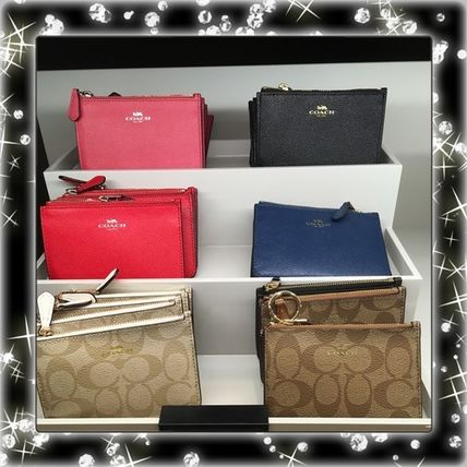 New arrival gift COACH offered a selection of key case