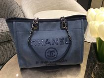 Chanel新作♡Deauville Tote M♡W Spangles Blue