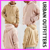 urbanoutfittersペアルックも♪campionロゴ入りフーディパーカー