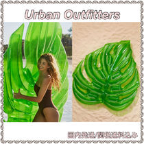 Urban Outfitters(アーバンアウトフィッターズ) うきわ Urban Outfitters★新作 リーフ型 ビッグサイズ オシャレうきわ