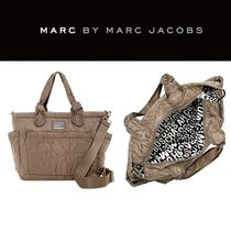 Marc by Marc Jacobs(マークバイマークジェイコブス) マザーズバッグ 【送料込み】マザーズバッグ○オムツ替えシート付○Eliza Baby