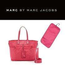Marc by Marc Jacobs(マークバイマークジェイコブス) マザーズバッグ 【送料込み】マザーズバッグ○オムツ替えシート付○ピンク