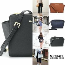 日本未入荷★ MICHAEL KORS SELMA MEDIUM MESSENGER 関税送料込