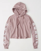 【送料無料】Abercrombie&Fitch  RELAXED LOGO GRAPHIC HOODIE