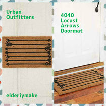 Urban Outfitters(アーバンアウトフィッターズ) ラグ・マット・カーペット Urban Outfitters*4040 Locust Arrows Doormat
