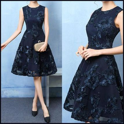 No sleeves embroidered pattern chic dress up