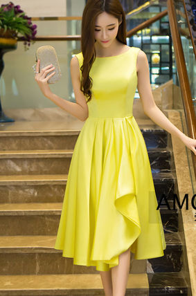 Adult cute yellow flared dress