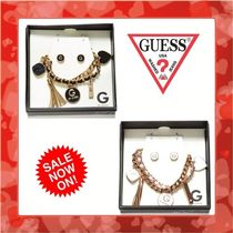 【Guess】お早めに!!ブレスレットとピアス ギフトセット 2色♪
