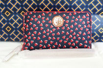 Tory Burch Kerrington Valentine Heart Wristlet スマホケース