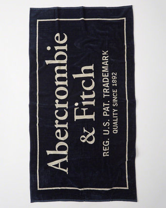 Abercrombie & Fitch レジャー・ピクニック用品 【Abercrombie】LOGO BEACH TOWL全3色