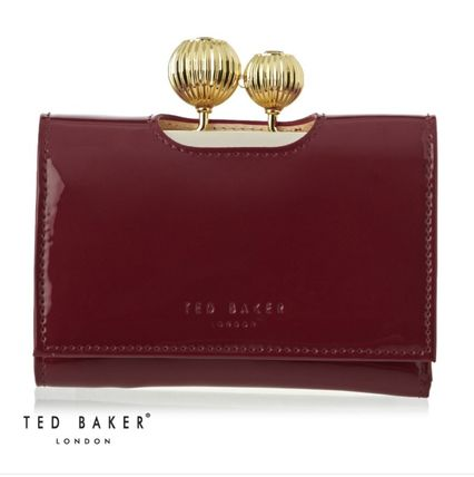 《TED BAKER》Julissa Etched Bobble Patent 折りたたみ財布