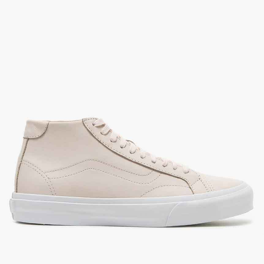 Vans Court Mid DX Delicacy レザー ペイルピンク