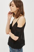《大人な雰囲気に♪》☆TOPSHOP☆Embroidered Cold Shoulder Top