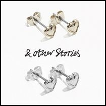 【& Other Stories】ミニハートピアス