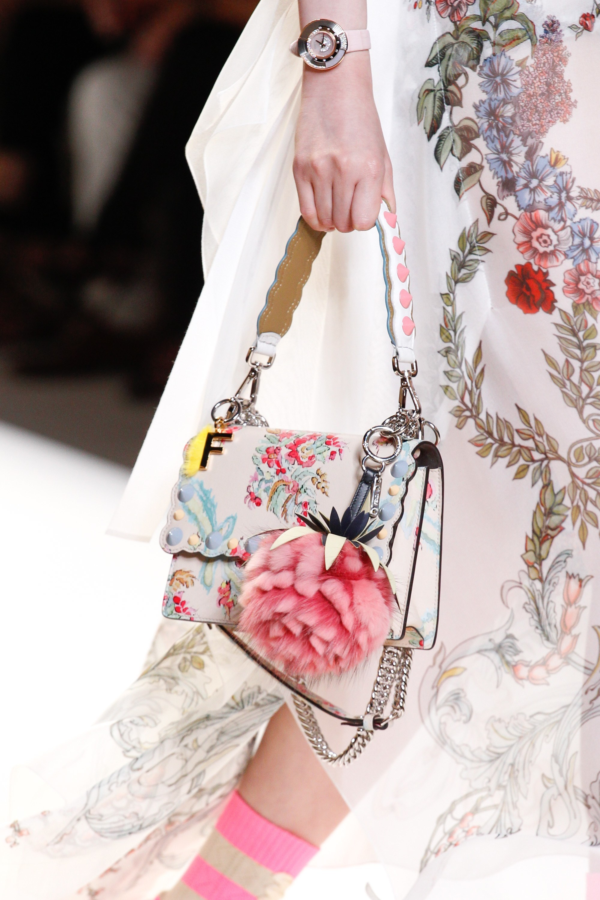 FE1464 LOOK43 STUDDED SMALL 'KAN I' BAG WITH FLORAL PRINT